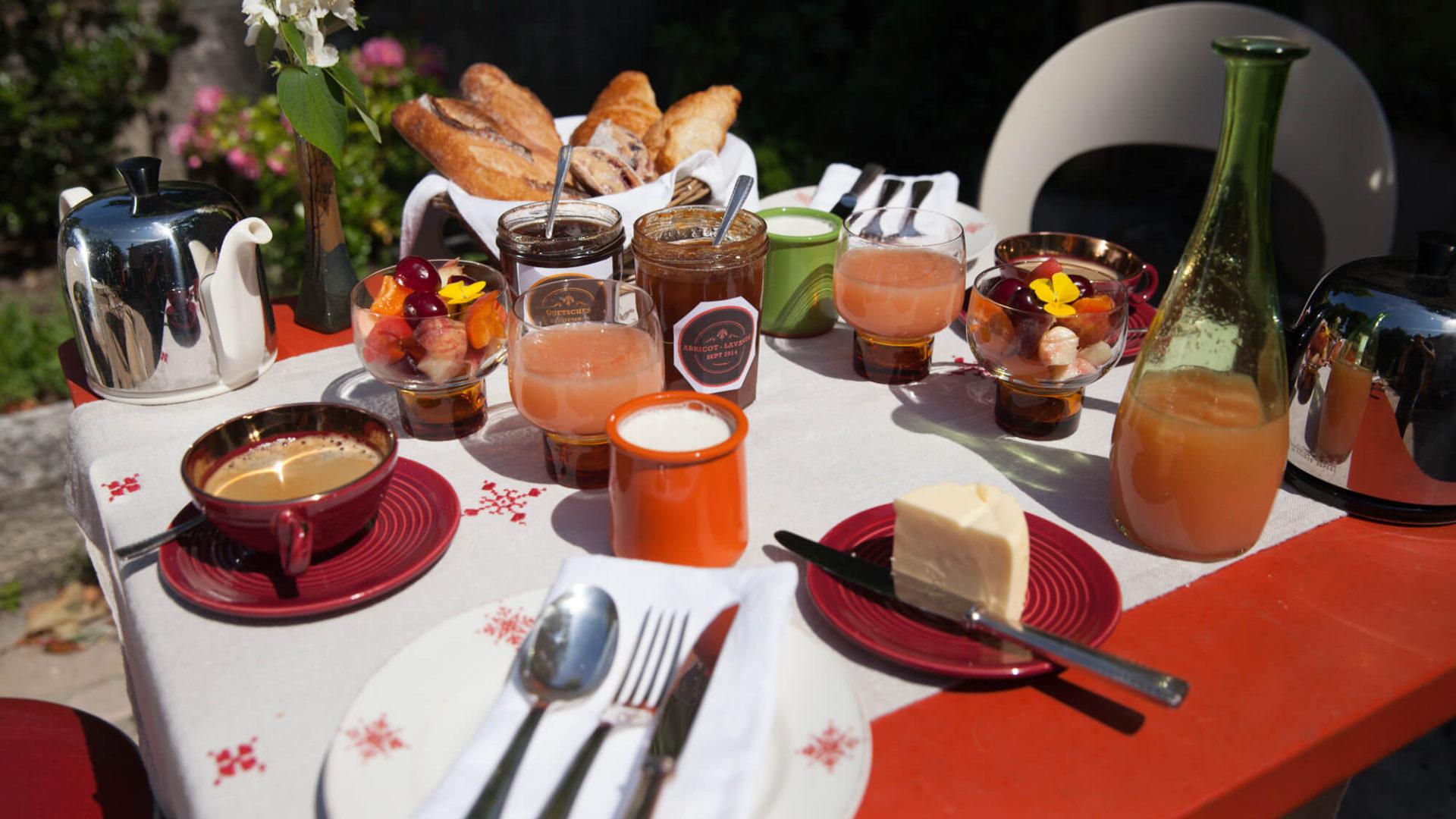Jardin des Toiles - maison et table d'hotes